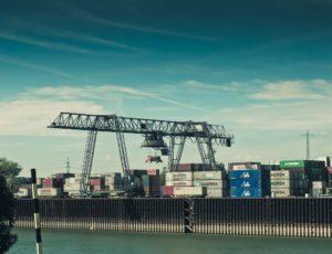 Transport maszyny drogą morską z Chin do Katowic