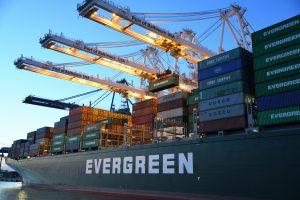 Transport morski z Chin do Polski: dokumenty transportowe